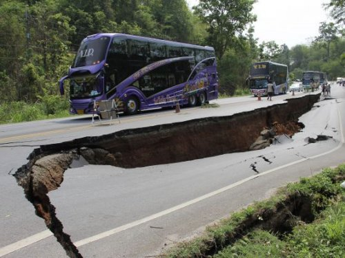 Aftershocks from Thai earthquake create fear in Laos