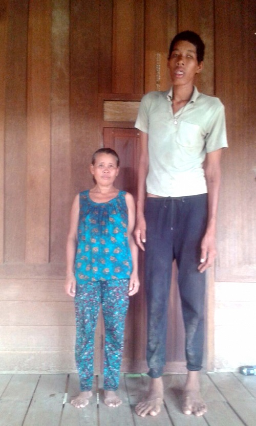 Tallest Lao man shot to fame after clinic visit