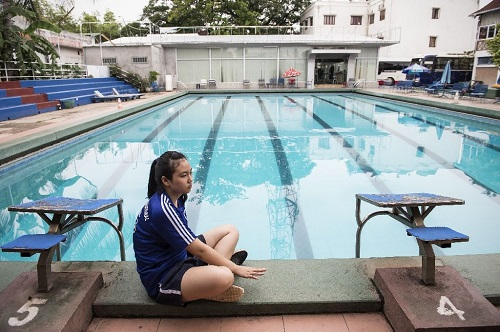 Kids, Beer bottles And A Public Pool - How Laos Swimmer, 14, Trains For Rio