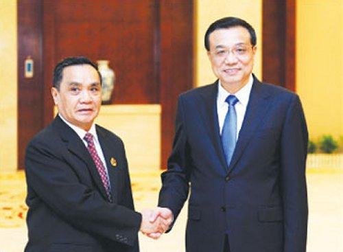 Chinese Premier Meets Laos PM