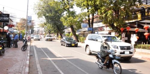 Vientiane Motorists Face Ten-Fold Fines On Roadside Parking